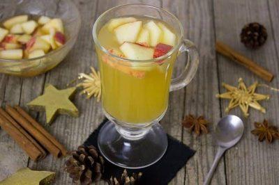 Glüh Gin WInter Punch mit Apfelstücken