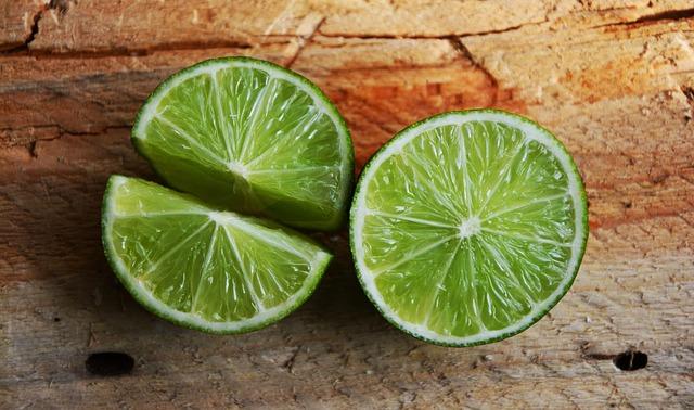 Limetten für den Gimlet Cocktail