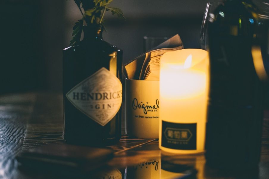 Verwendung von leeren Gin-Flaschen mit DIY Ideen