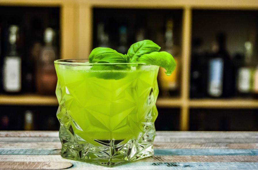 Gin Basil Smash Cocktail Rezept