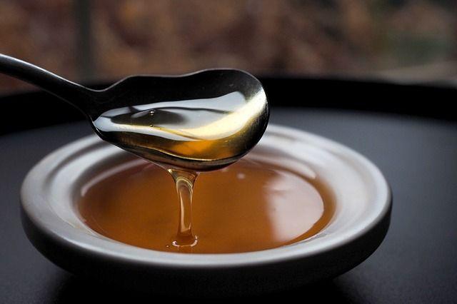 Honig Sirup für den Bee's Knees Cocktail