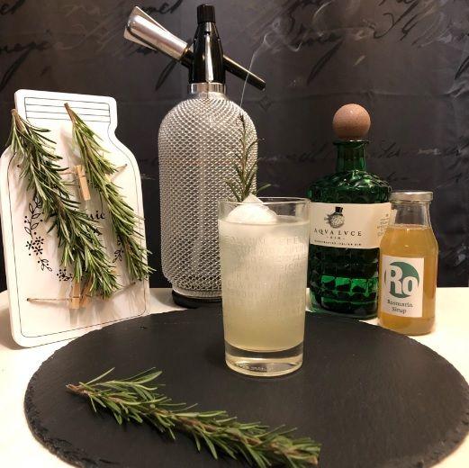 Lemon-Rosmary Gin Fizz