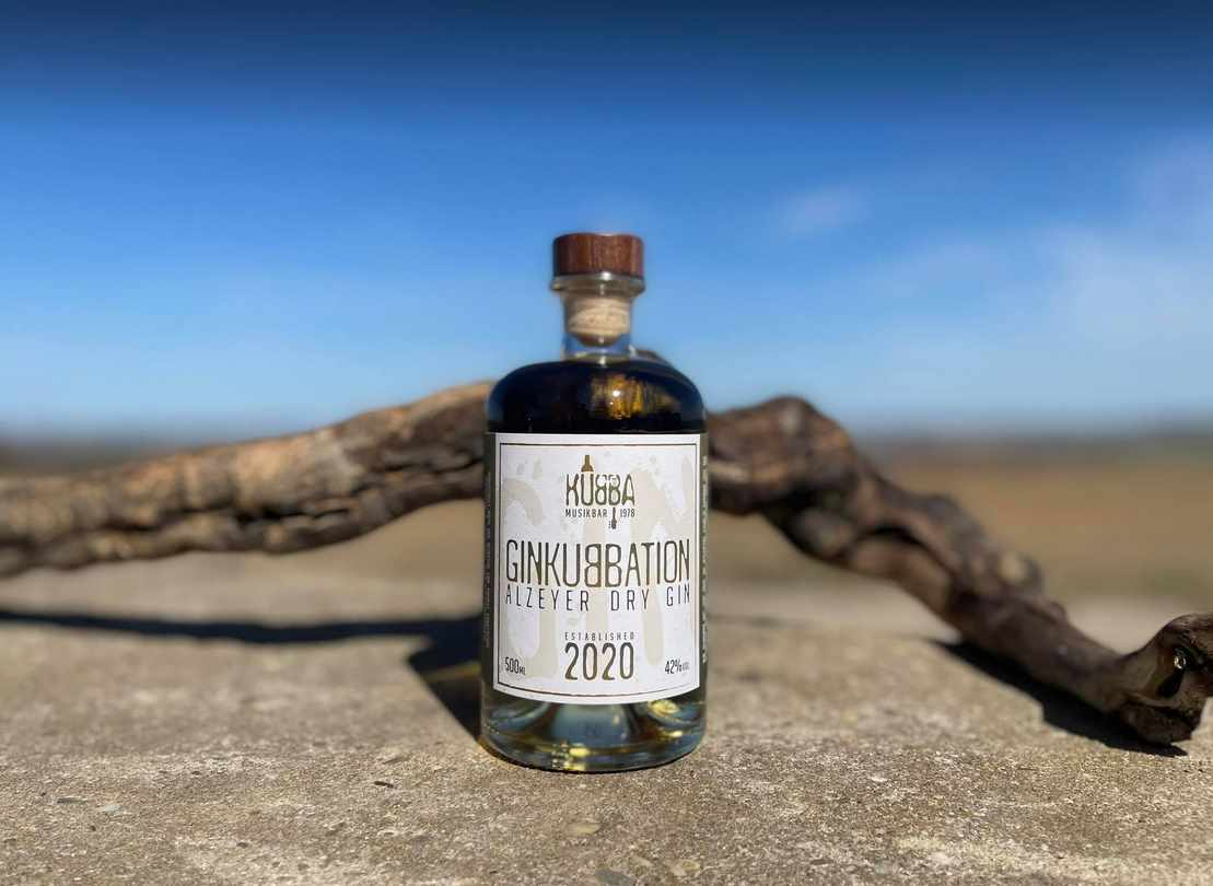 Ginkubbation Dry Gin Flasche