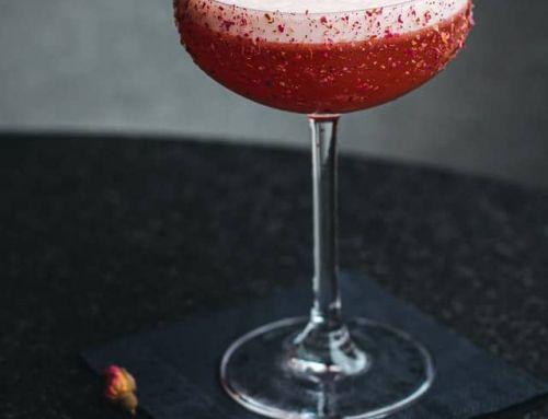 Clover Club Cocktail mit Himbeeren – Zubereitung & passende Gins