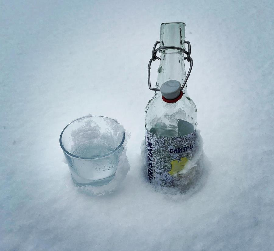 Christian² London Dry Gin im Schnee