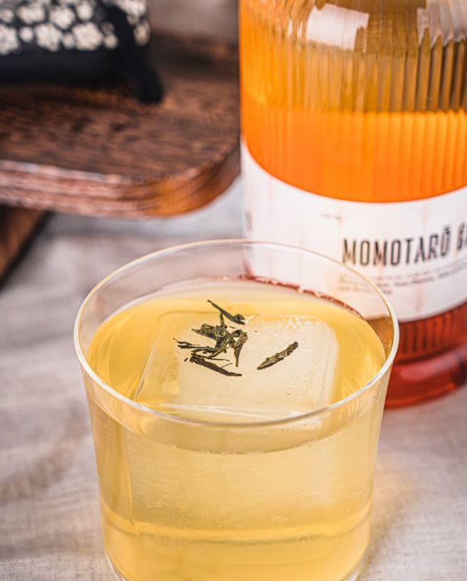 Momotaro Gin mit Gimlet Cocktail